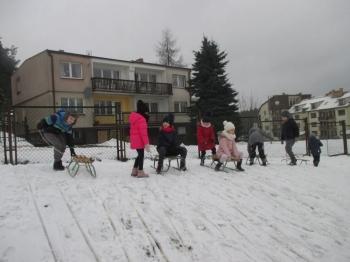 2018.01.16_krolewna_sniezka_zabawy_na_sniegu_010