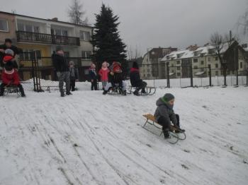 2018.01.16_krolewna_sniezka_zabawy_na_sniegu_017