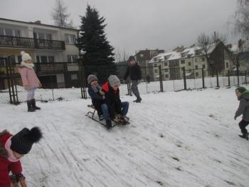 2018.01.16_krolewna_sniezka_zabawy_na_sniegu_019