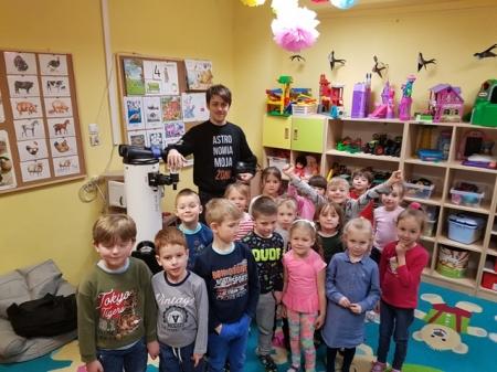 """5.04.2019 """"Kosmiczne ciekawostki""""- spotkanie z Panem Sławomirem Matz - pasj"""