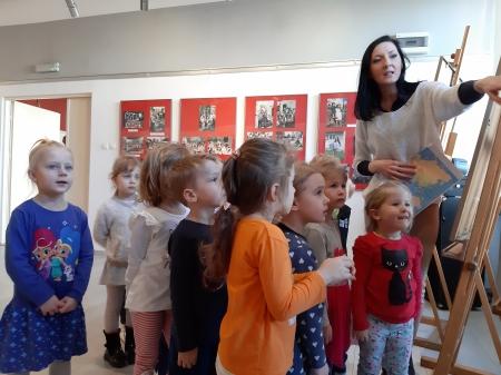 2019.03.20 Wystawa fotograficzna Dzieci świata