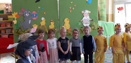 2019.04.15 Kubusie przedstawiają teatrzyk Wielkanocne obyczaje
