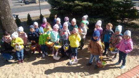 Wielkanocne zwyczaje w przedszkolu. Zajączek dla dzieci 17.04.2019r.