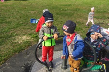 2019.09.19- Lubimy zabawy na podwórku przedszkolnym
