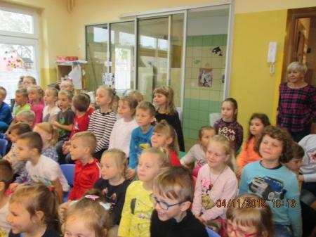 04.11.2019 Skrzaty na Jesiennym przedstawieniu u Kubusiów Puchatków