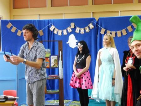 Teatrzyk - Baśniowy ambaras - w wykonaniu Rodziców dzieci z grupy Smerfy 08.11