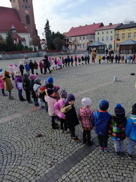 Narodowe Święto Niepodległości - śpiew Hymnu na Pl. Wolności 08.11.2019r.