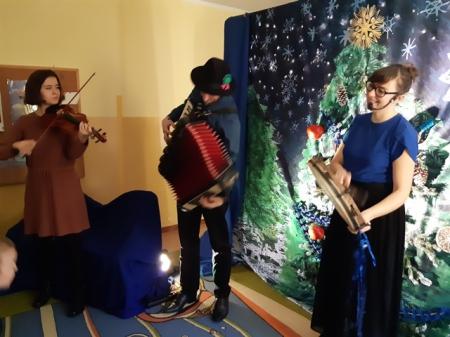 2019.12.10 Choinka i jej wigilijne kreacje... Koncert muzyczny