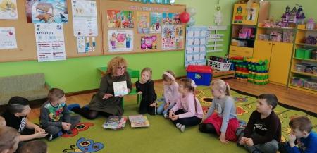 23.01.2020 Babcia Dobrusi czyta dzieciom