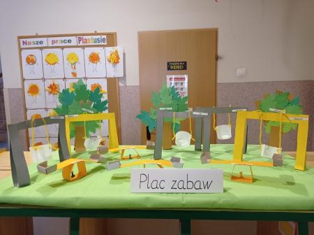 12.09 2020 Zabawy na placu przedszkolnym-praca plastyczna