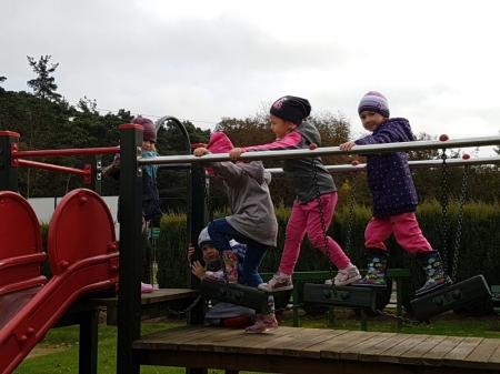 10.10.2017 Zabawy na placu przedszkolnym