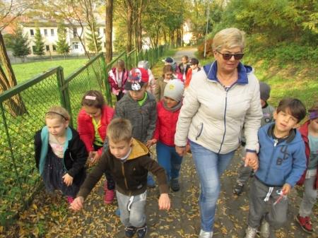 Jesienny spacer na górę krzyżową