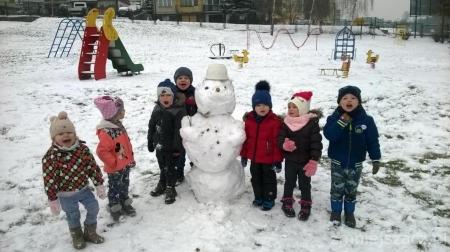 20.12.2018  r.- Pierwszy śnieg, pierwszy bałwan, wiele radości i zabawy.
